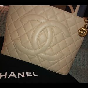 Vintage CHANEL Medallion Tote White Caviar Leather